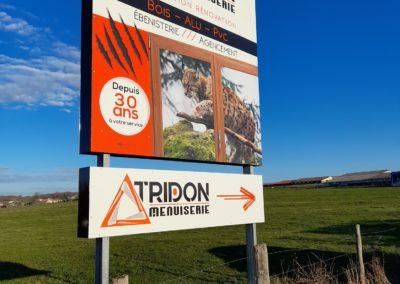 Panneau publicitaire – Tridon Menuiserie